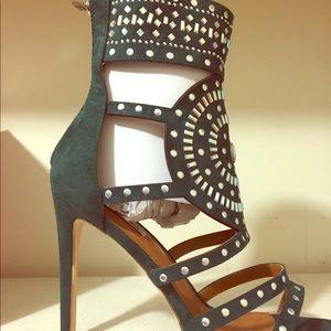 Shoes - Cape Robbin Heels